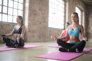 Hatha Yoga Faszien Yoga Ballettschule und Tanzstudio Mona Gerards